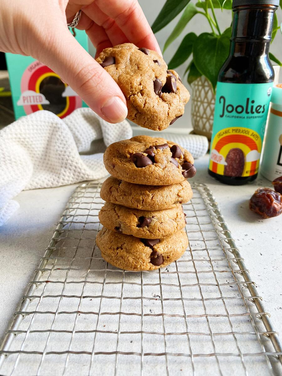 Chewy Paleo Chocolate Chip Cookies