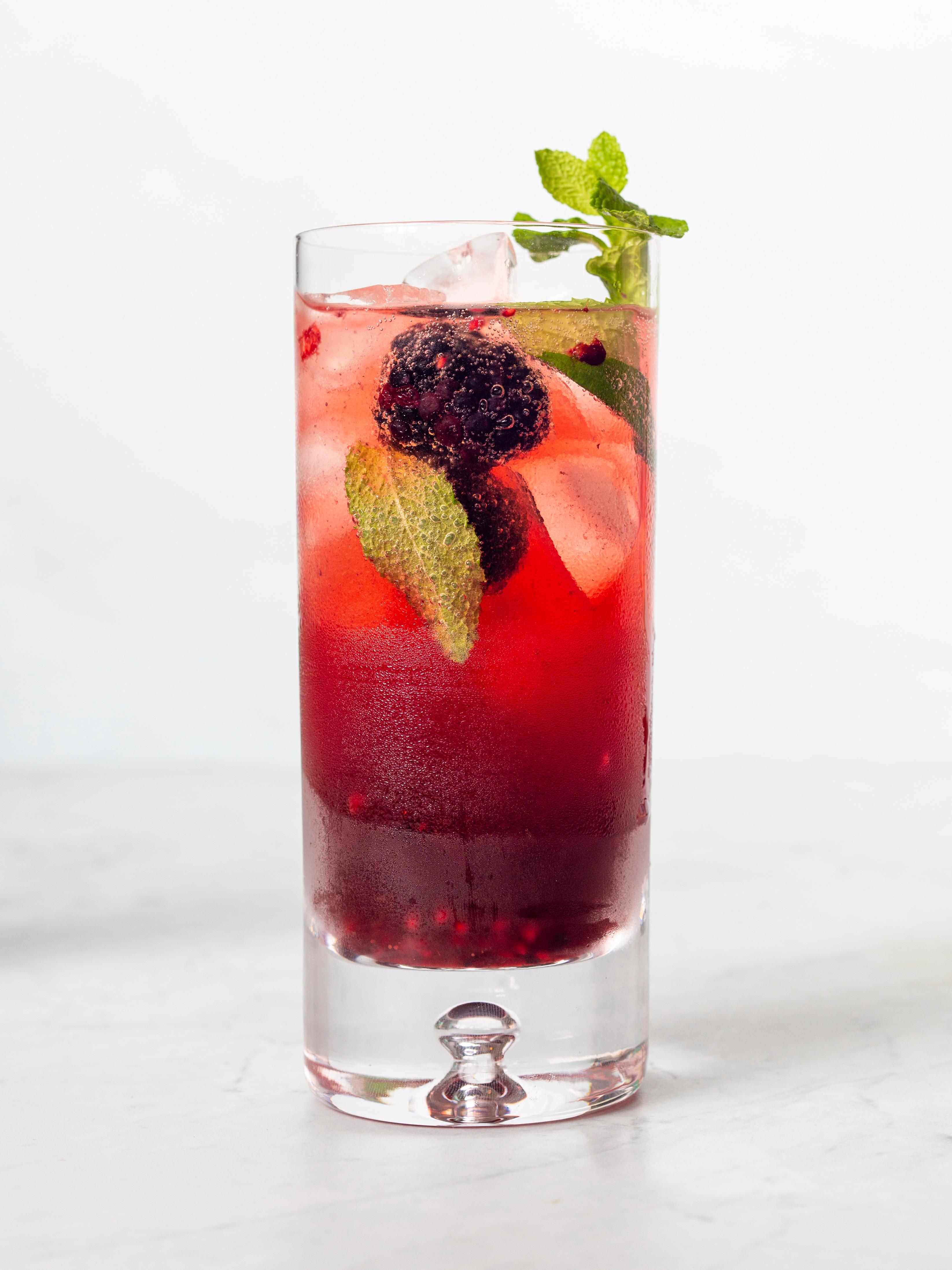 Date Mixed Berry Mojito