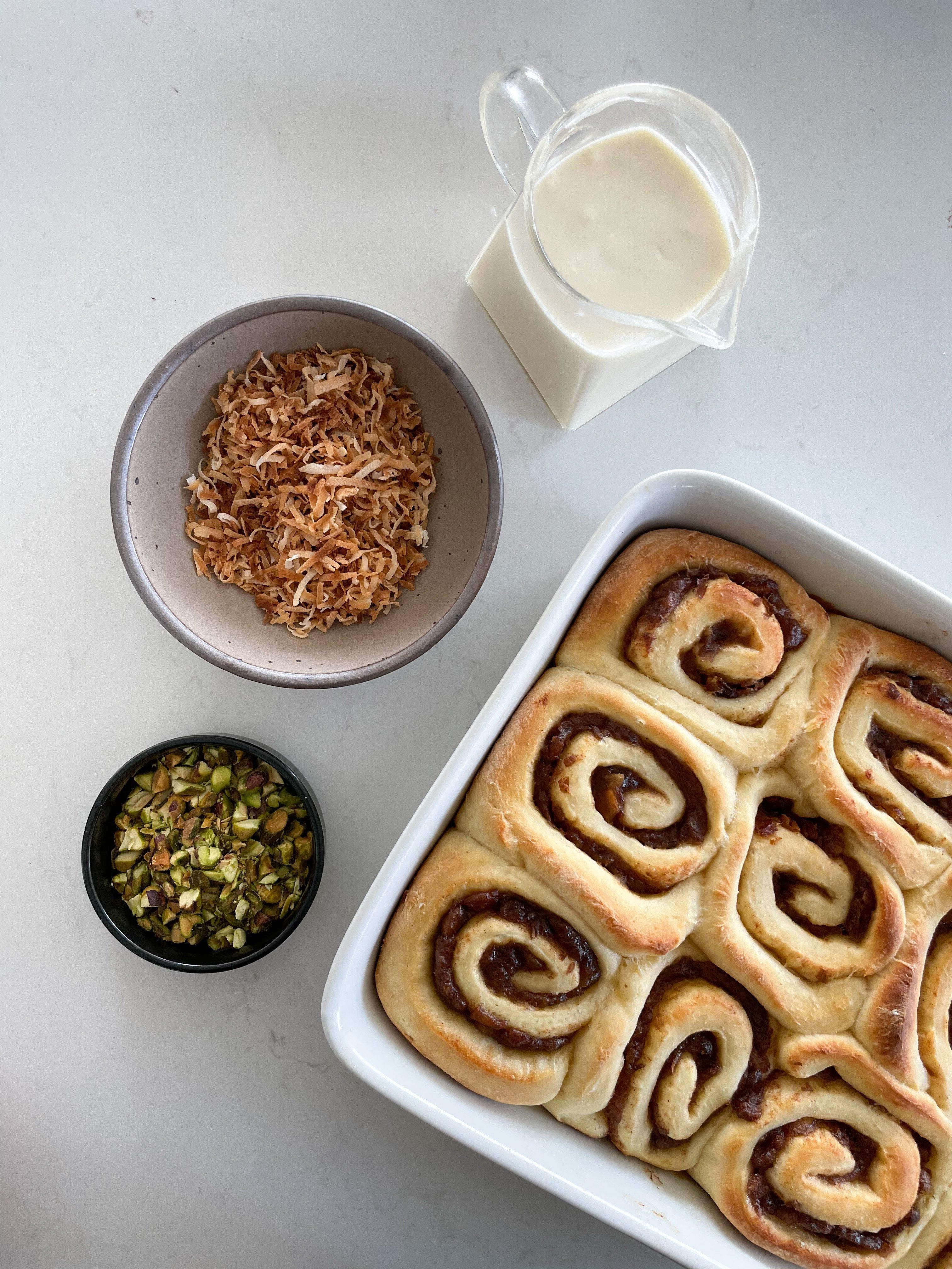 gooey cinnamon date rolls